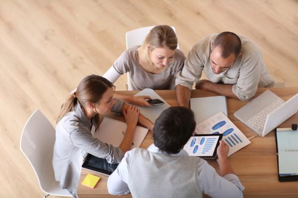A sua empresa sabe fazer um plano de vendas ou enfia os pés pelas mãos?