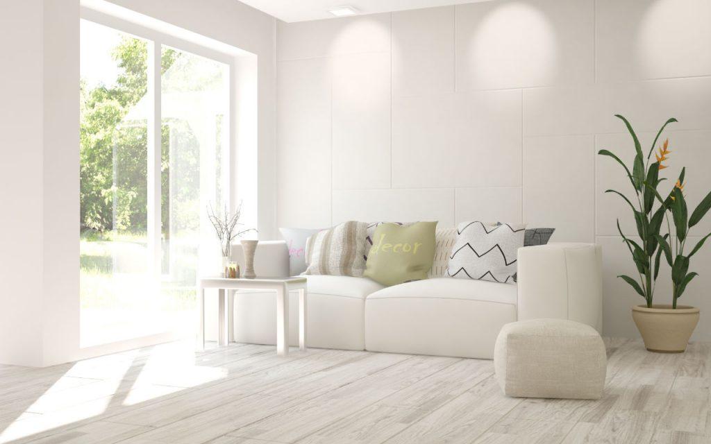 Sala com espaço amplo e cores claras
