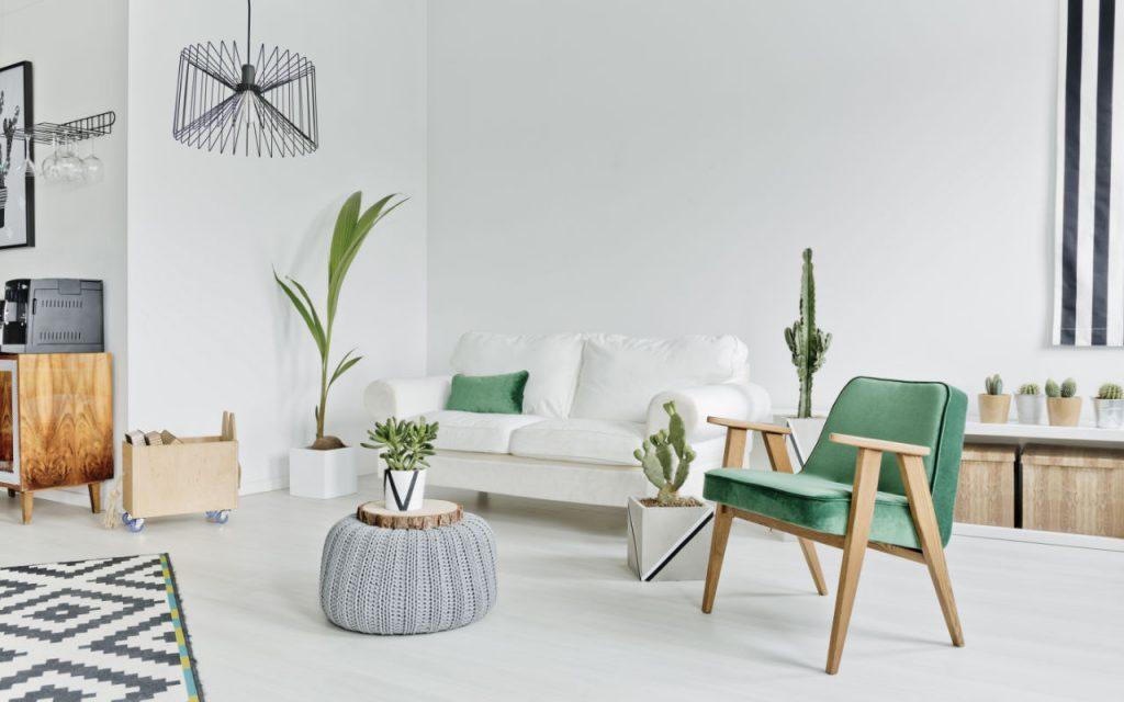 Sala com elementos em verde