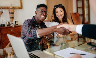 Vale a pena comprar um imóvel agora?