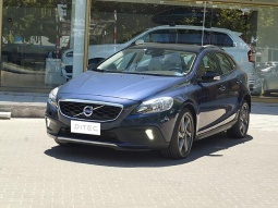 VOLVO V40  T4 AWD LIMITED 2015