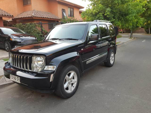 JEEP CHEROKEE  LIBERTY LIMITED 2013