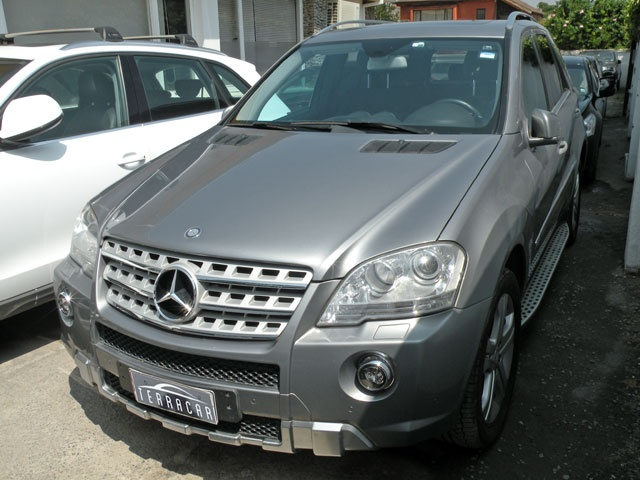 MERCEDES BENZ ML 500  2011
