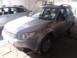 SUBARU FORESTER  full 2.0 aut 2011
