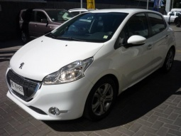 PEUGEOT 208 208 ACTIVE HDI 1.4 2015