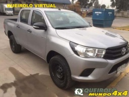 TOYOTA HILUX  2.4D MANUAL SR 2017