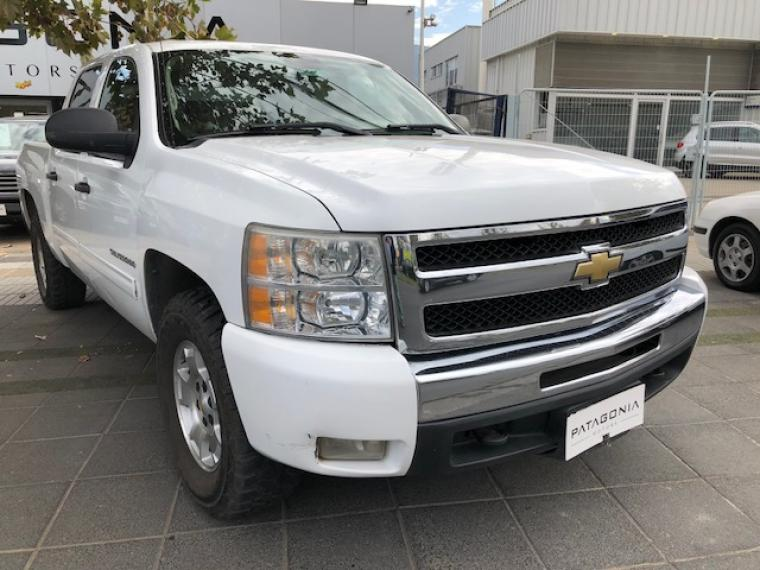 CHEVROLET SILVERADO  LT II 5.3 4X4 AT 2011