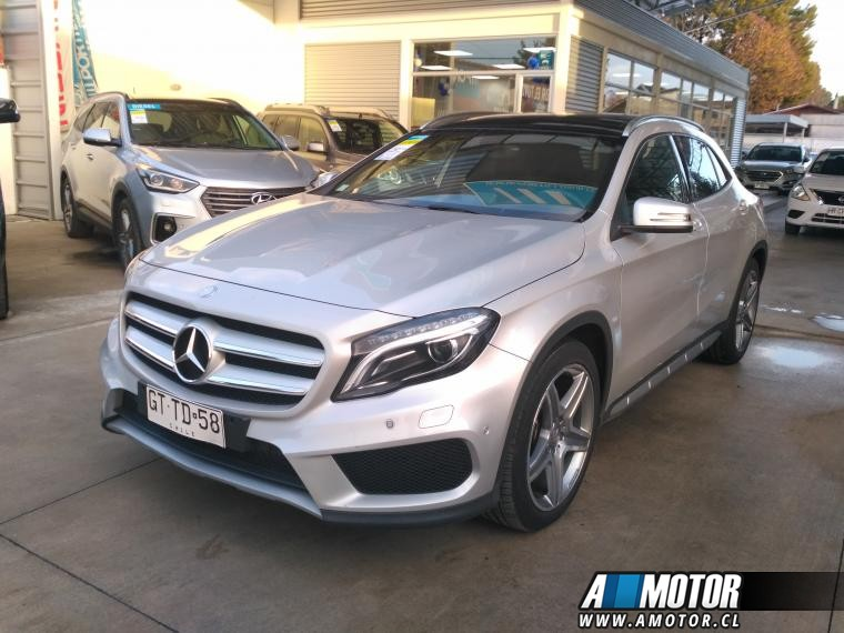 MERCEDES BENZ GLA 250 2.5 AT 2015