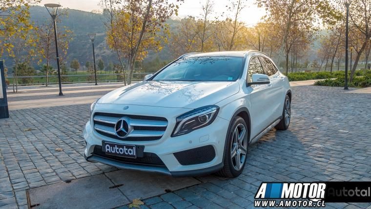 MERCEDES BENZ GLA 250 4MATIC  LOOK AMG 2015