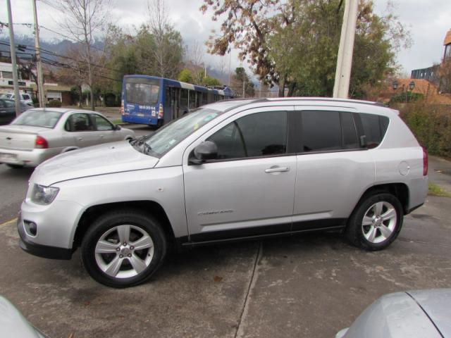 JEEP COMPASS  SPORT 4X4  FULL 2.4  IMPECABLE 2014