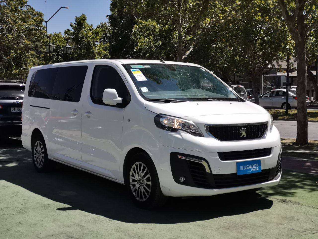Peugeot Traveller Business Bluehdi 2.0 2020  Usado en Automotriz Portillo