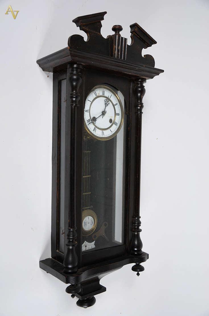 744fdf3f1db Relógio antigo de parede