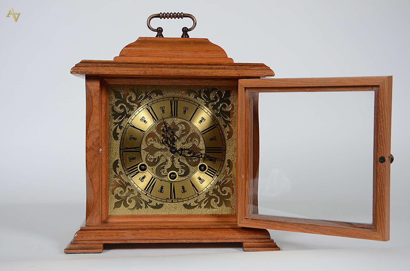 Relógio de mesa da marca ES... - Relógio de mesa da marca ESKA 72e65843712