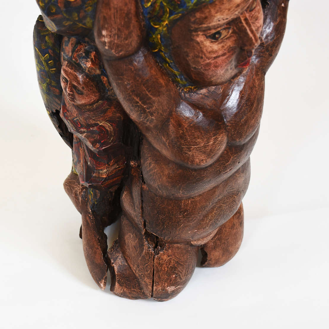 Maurino de Araújo (1943-2020), Figura feminia - Escultura em madeira talhada e policromia<br>Sem assinatura