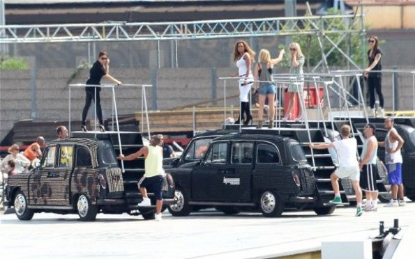Las Spice Girls en pleno ensayo, en Londres