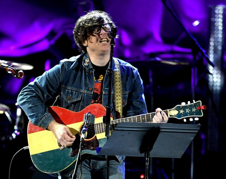 El rockero Ryan Adams es acusado de conducta sexual inapropiada
