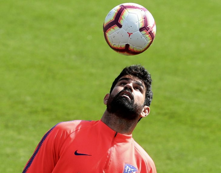 Diego Costa reta al club