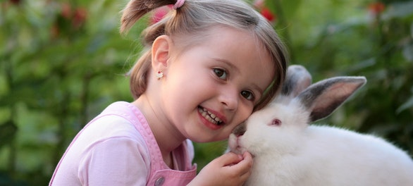 girl-rabbit-friendship-love-160933