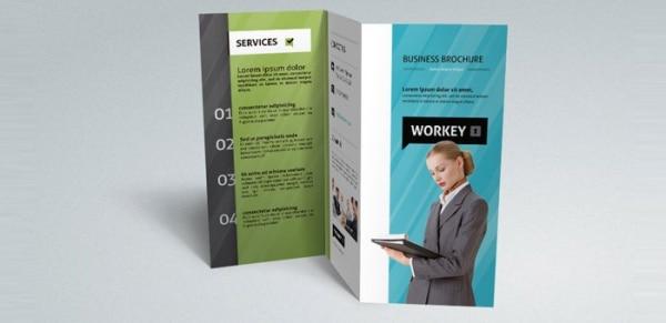 Modelo de Brochura Corporativo Tri-Fold
