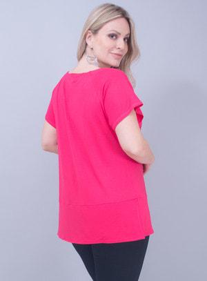 Blusa em Malha Ilhóses no Decote Pink