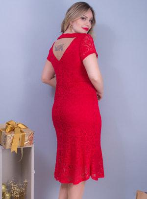 Vestido em Renda com Recorte nas Costas e Decote Rainha Vermelho