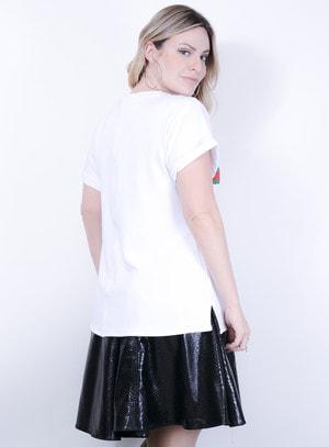 T-shirt em Malha com Aplicação de Pedraria e faixa