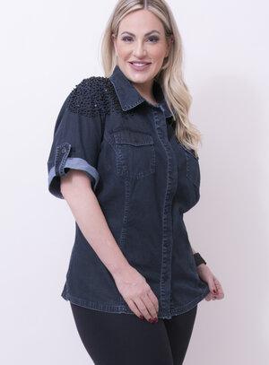 Camisa em Jeans com Mangas Curtas e Detalhe em Bordado nos Ombros