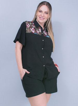 Camisa em Crepe com Detalhe em Tela Bordada Preta