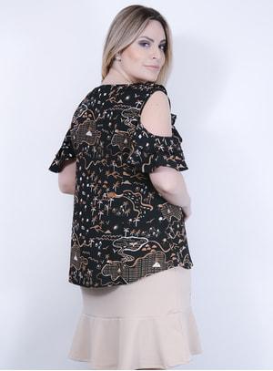 Blusa em Crepe Estampado com Babado no Decote e Recorte nos Ombros