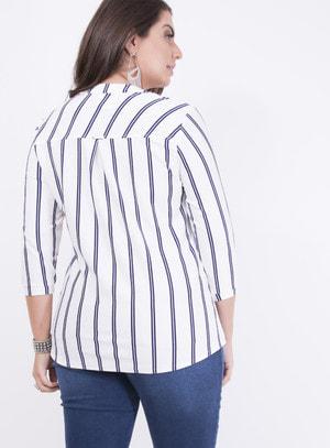 Camisa em Malha Texturizada com Bolsos e Manga 3/4 Azul