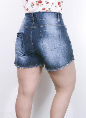 Short em Jeans com Bordado de Canutilhos e Barra Desfiada