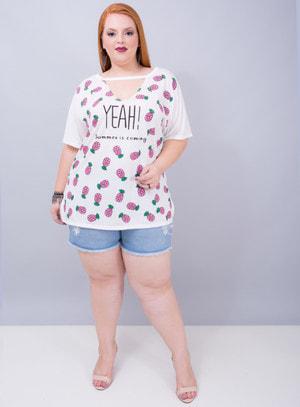 T-shirt em Malha Abacaxi YEAH! Chocker Off White