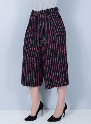 Calça Pantalona em Viscose Estampa Vertical Bolsos Laterais