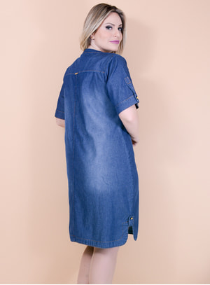 Vestido Evasê em Jeans com Recortes nos Ombros e Detalhes no Decote