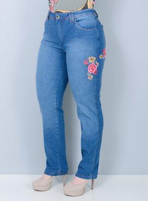 Calça Reta em Jeans Delavê Bordado de Flores