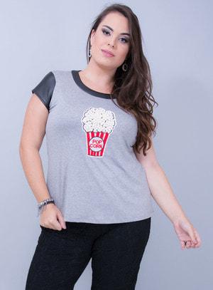 T-Shirt Evasê em Malha Pop Corn de Pérolas Couro Fake
