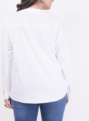 Camisa em Algodão com Elastano Ampla com Fechamento por Botões