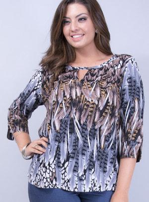 Blusa em Viscose Plus Size com Decote Vazado