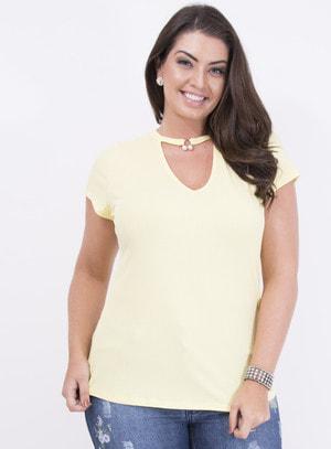 Blusa em Malha Canelada Choker com Pérola Amarela