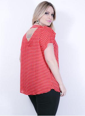 Blusa em Viscose com Estampa de Corações e Decote nas Costas Vermelha