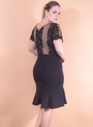 Vestido em Malha Modelo Sereia com Renda