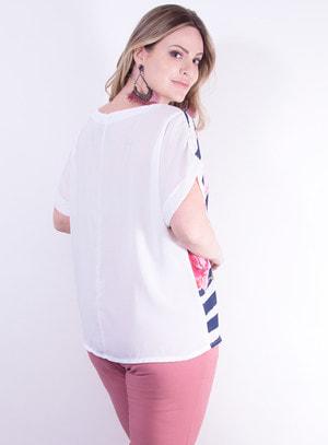 Blusa em Crepe com Manga Japonesa Estampa de Flores e Linhas Rosa e Azul Marinho