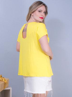 Blusa em Malha com Recortes e Pedraria Amarela