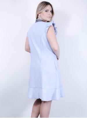 Vestido Sereia em Jeans com Decote Bordado e Bolsos