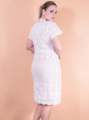 Vestido em Guipir Branco com Forro Salmão