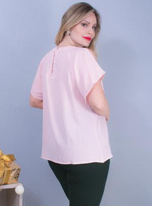 Blusa em Chiffon com Recorte nos Ombros e Pedraria no Decote Rosa