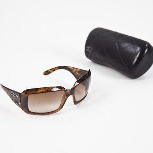 Oculos Chanel marron