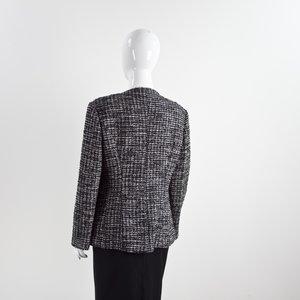 Blazer Chanel em tweed preto, bco e cinza
