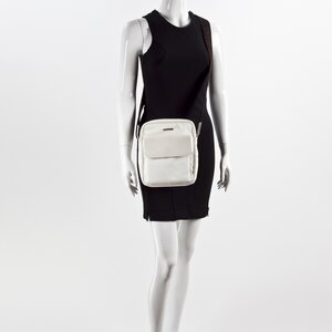 Crossbody Salvatore Ferragamo off white couro