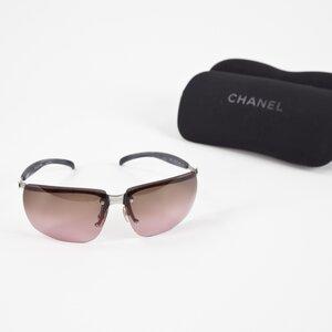 Óculos Chanel com lente marron clara